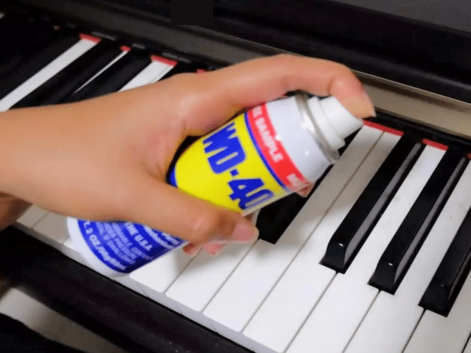 WD40 HACKS - Cleaning Dirty Piano Keys