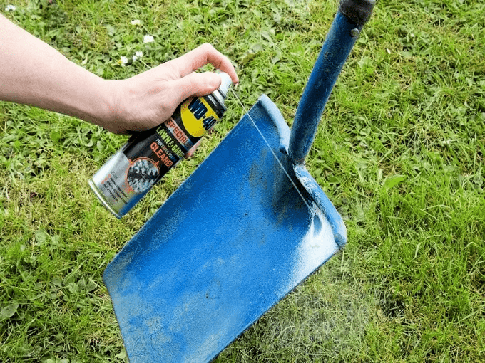 WD40 HACKS - Lubricating A Shovel
