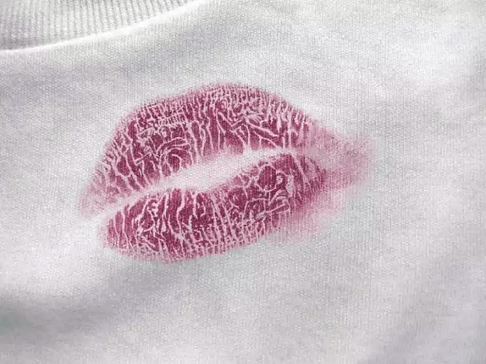 WD40 HACKS - Removing Lipstick Stains