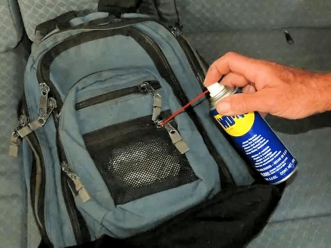 WD40 HACKS - Unsticking Stuck Zippers